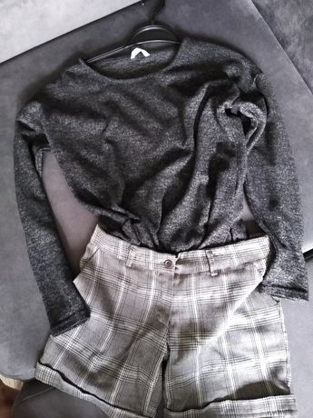 Zestaw bluzka-sweterek i spodenki w kratkę                         .
