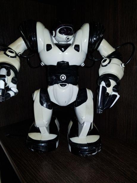 Робот Robosapien від WowWee