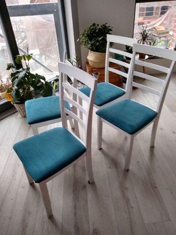 4 Krzesła Jysk, białe, jedno uszkodzone