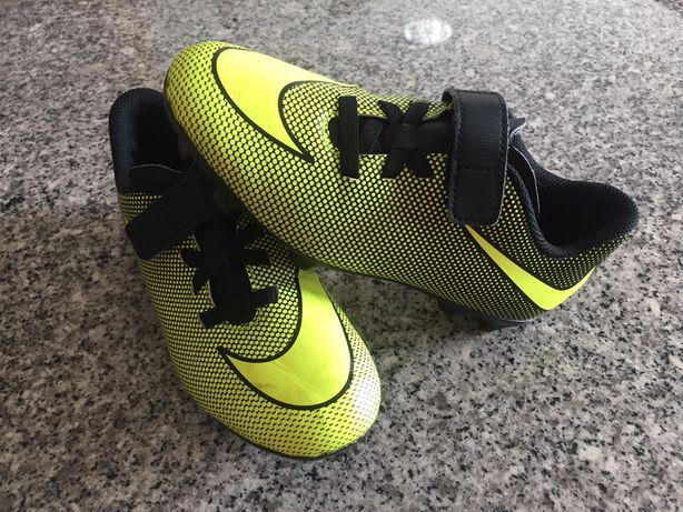 Chuteiras da Nike n 34 c/ novas