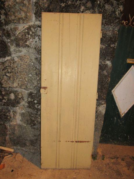Porta de madeira maciça tipo de celeiro