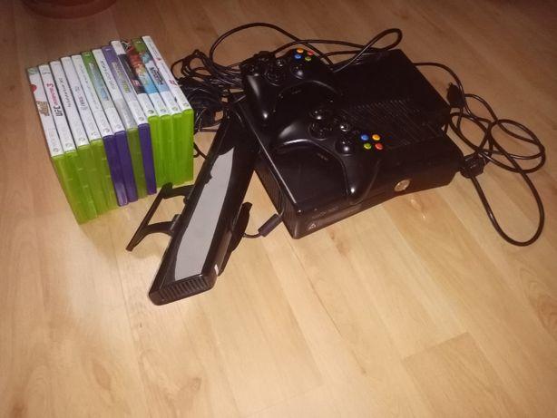 XBox 360 Slim 250GB z Kinect + 2 pady + 14 gier