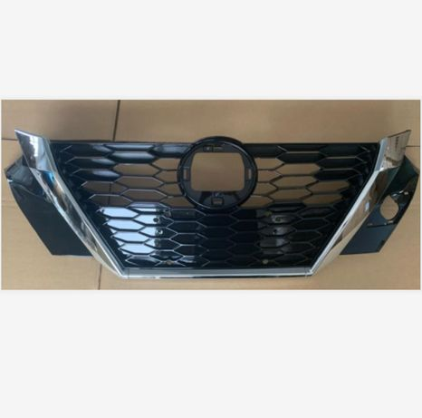 Решетка радиатора Nissan Sentra Ниссан Сентра 2020