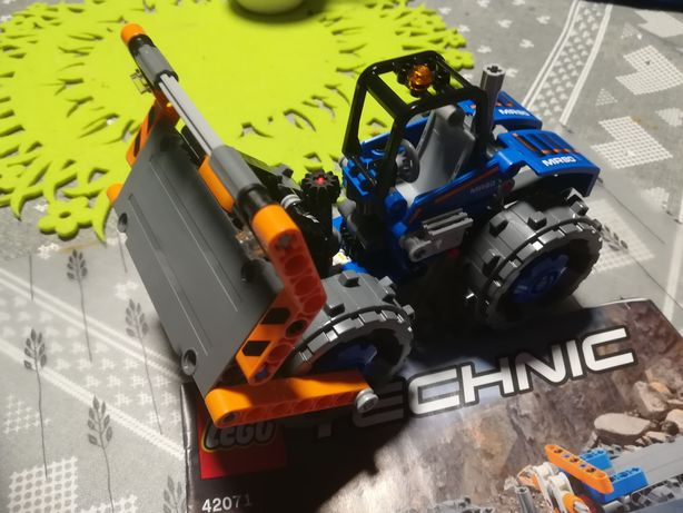 Lego  technic 42071 spycharka