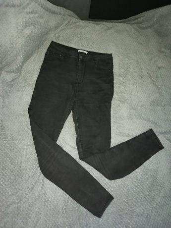 Sprzedam czarne spodnie