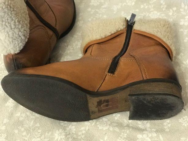 Продам женские ботинки на натуральной овчине р.37