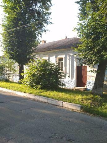 Продам будинок у центрі міста Тараща