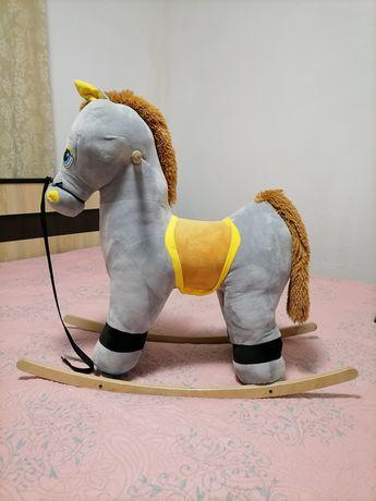 Дитячий коник-гойдалка