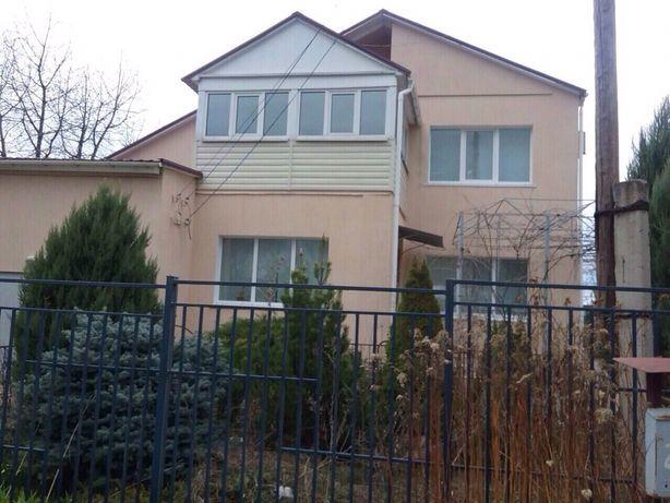 Продам 2-х этажный дом в Славяносербске.