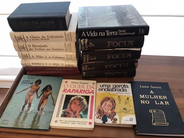 Vendo livros antigos