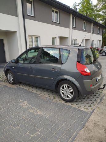 Sprzedam Renault Scenic II niski przebieg - od emeryta stan idealny.