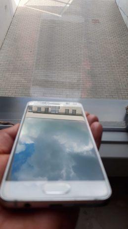 Samsung Galaxy A3 (6) 16 GB 2017 metalowa obudowa biały.