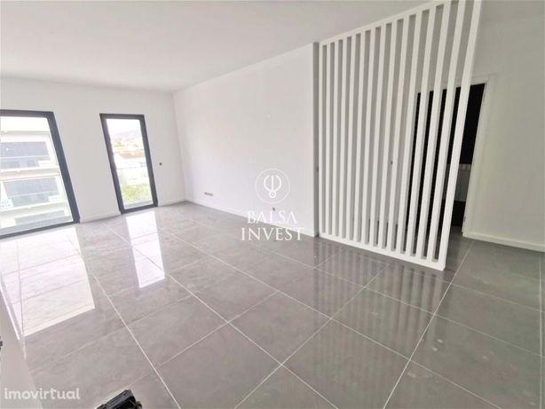 Apartamento T2 NOVO com 100m2 e Estacionamento em ALMANCIL (3.Dt_G)