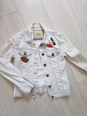 Biała ramoneska kurtka jeansowa naszywki  kurteczka xs 34