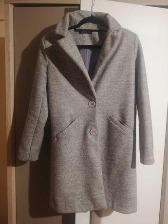 Szary płaszcz :)