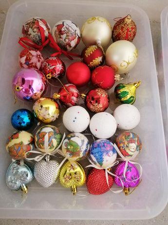 Игрушки на Новый год на ёлку шарики сосульки гирлянды