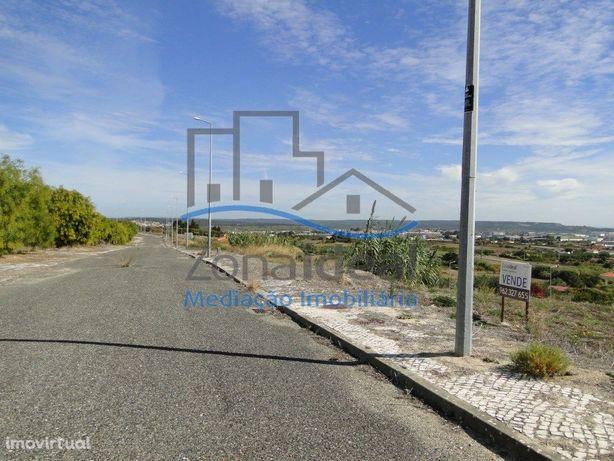 Lote de terreno para construção de moradia - Localizado e...