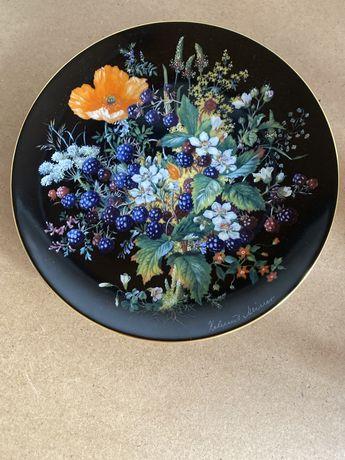 Винтаж: серия настенных тарелок .