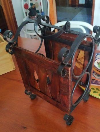 Garrafeira de bancada em madeira e ferro - 27 cm