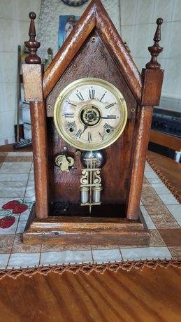 Relógio muito antigo de pendolo