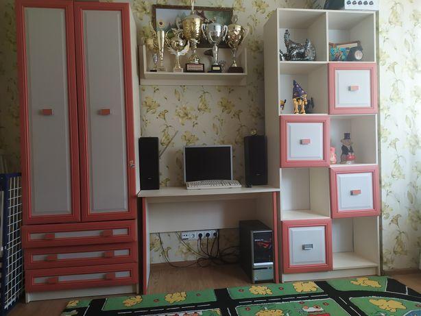 Продам Детскую мебель ( кровать - горка шкаф пенал ) 18000 рублей