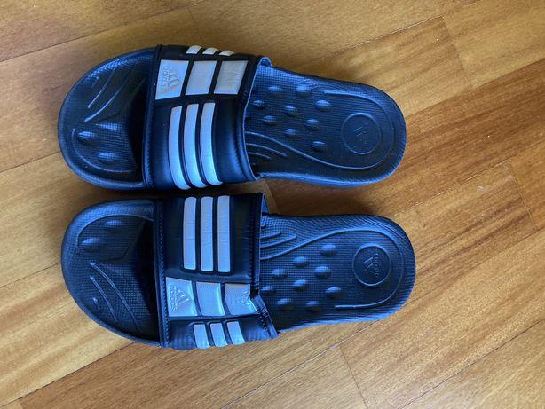 Chinelos Adidas tamanho 5
