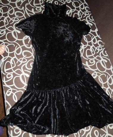Велюровое черное платье, можно на подростка