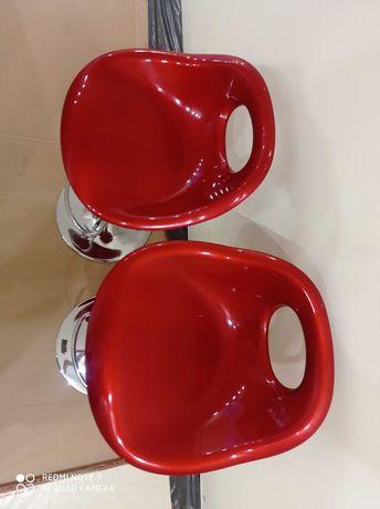 krzesła hoker czerwone