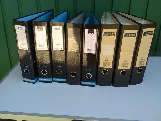 Oito capas para arquivar documentos novas