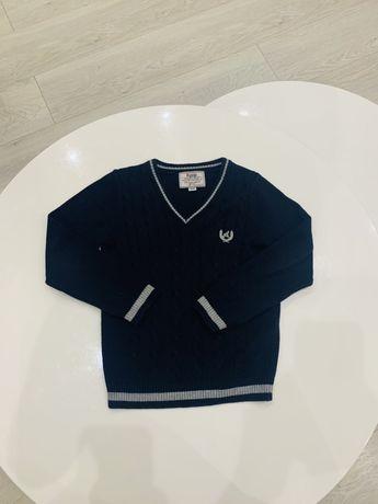 Продам свитер кофта Ayugi jeans 116