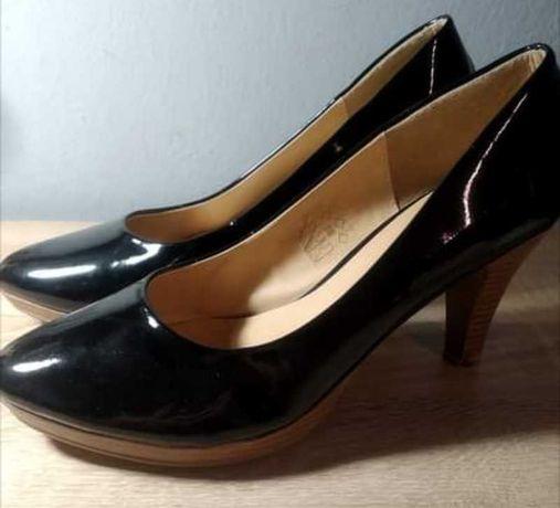 Lakierowane buty obcas- rozmiar 40