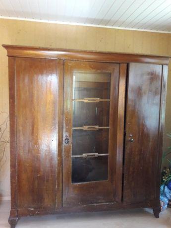 Szafa drewniana z 1930 r.