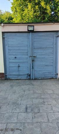 Drzwi garazowe duze