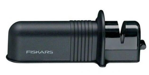 точілка для ножів.Fiskars купляв в германій