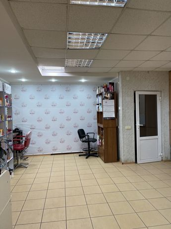*Продам или сдам парикмахерскую в р-не Горисполкома 50 кв м 16500$