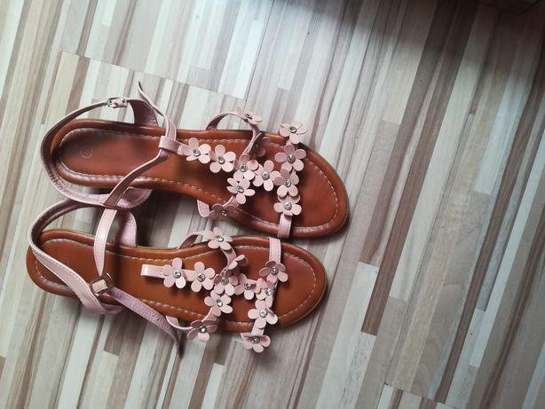 Sandałki damskie