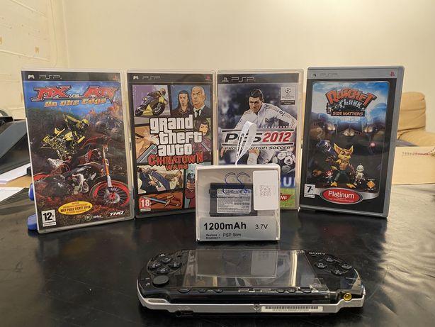 PSP com 4 jogos e bateria nova