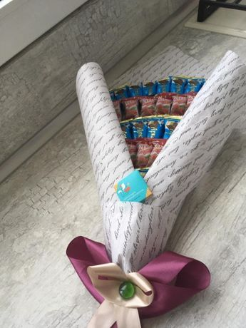 сладкий букет из конфет и шоколадок + подарок