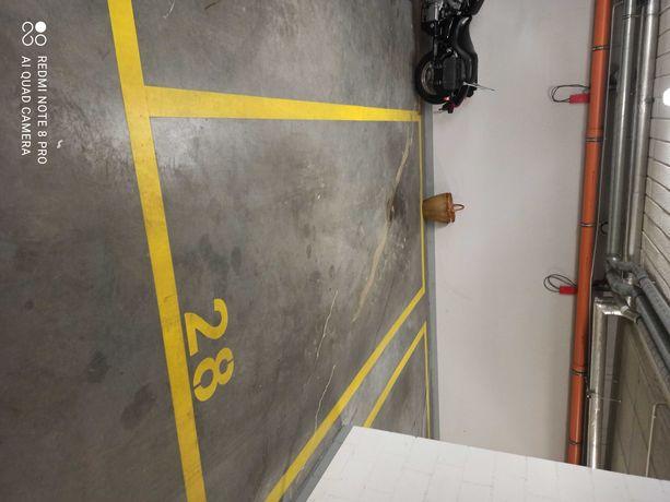 Miejsce postojowe w garażu podziemnym Osiedle Fajny Dom ul.Sikorki 14