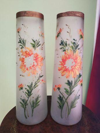 Старинные вазы.Пара.Стеклянные.Роспись художника Lourdes,Франция