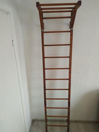 деревянная  лестница с кольцами