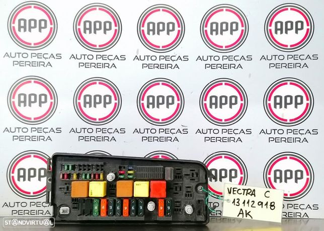 Módulo placa fusíveis relés Opel Vectra C Referência 13112918.