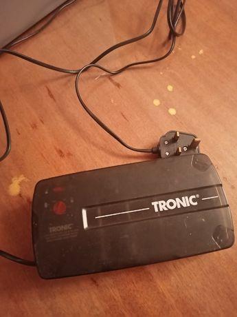 Зарядное устройство для батареек Tronic Universal KH 967