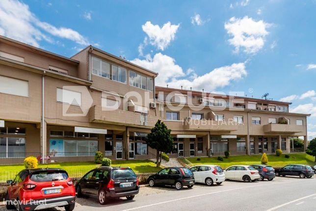 Apartamento T2+1 Remodelado em Regilde, Felgueiras