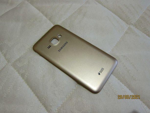 Крышка для Samsung J120H золотая