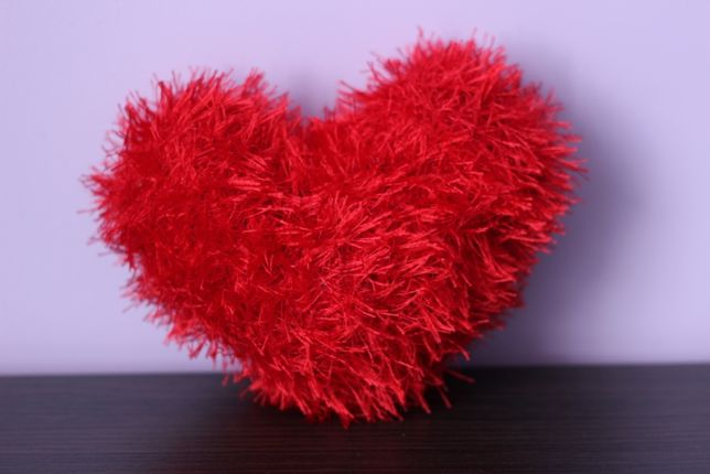 Необычный подарок, вязаное сердечко