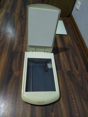 Продам Сканер HP ScanJet 2400.