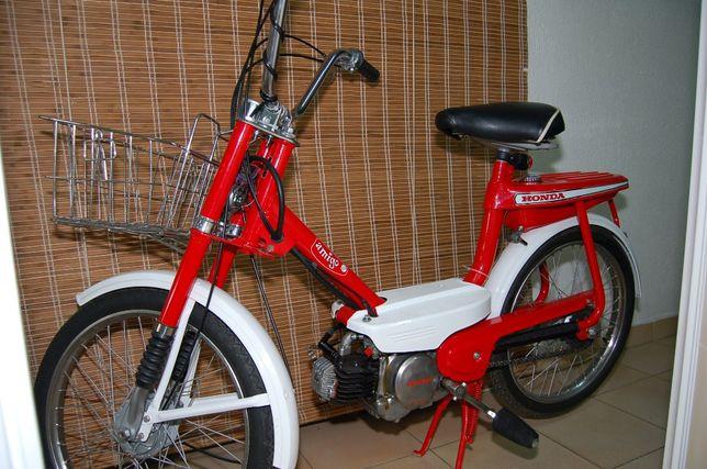 Honda Amigo PF50 Vermelha