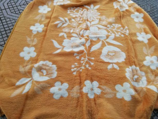 Cobertores como novos
