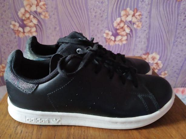 Кроссовки Adidas originals полностью кожа!!!